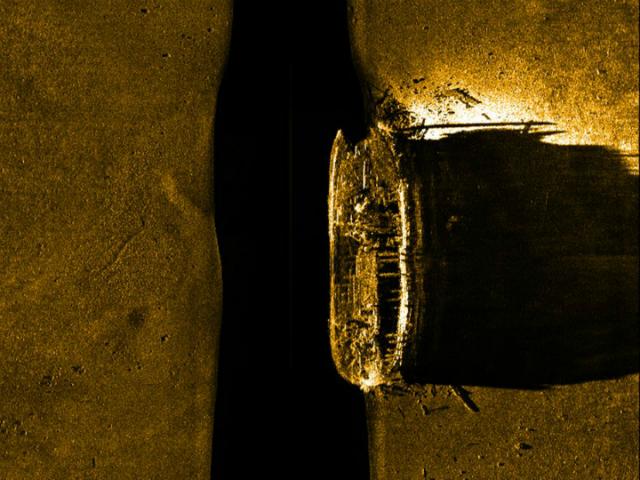 Очертания корабля, обнаруженные сонарами (фото Parks Canada).