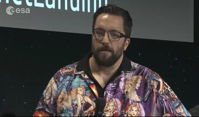 Доктор Мэтт Тейлор и его скандальная рубашка (фото PA).
