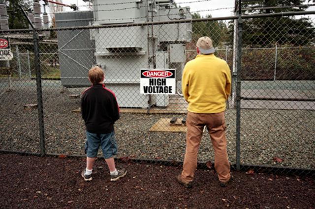 Обязательное условие для получения премии Дарвина — отсутствие детей. Исключения делались всего трижды в истории ради (исключительных) идиотов (фото Flickr/County DUI).