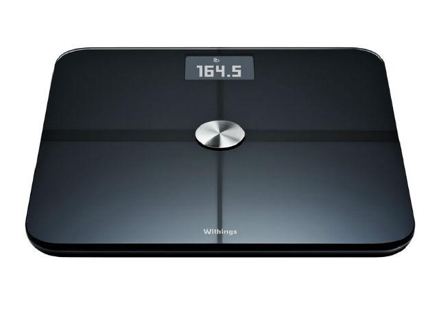 """""""Умные"""" весы не только определят ваш вес и массу дополнительных параметров, но также свяжутся со смартфоном и будут поддерживать общение с несколькими пользователями в семье (фото Withings)."""