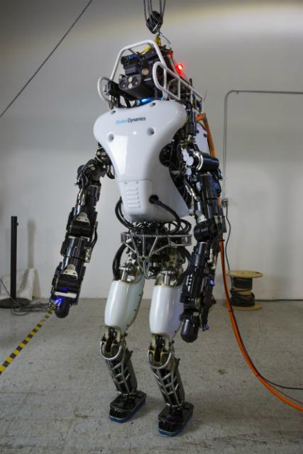 Теперь Atlas сможет функционировать без троса (фото DARPA).