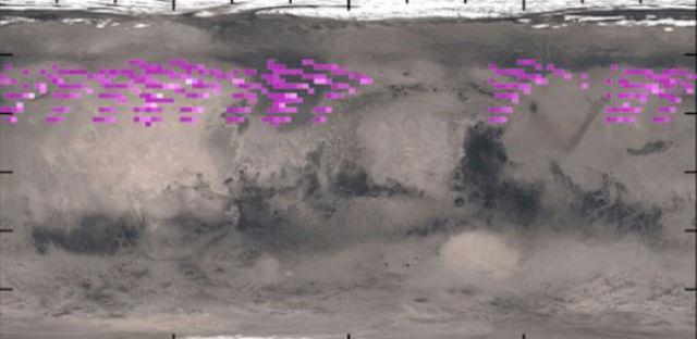 Вместо того чтобы концентрироваться вокруг участков с достаточно сильным магнитным полем, полярное сияние распределилось по всему северному полушарию Марса (иллюстрация University of Colorado).