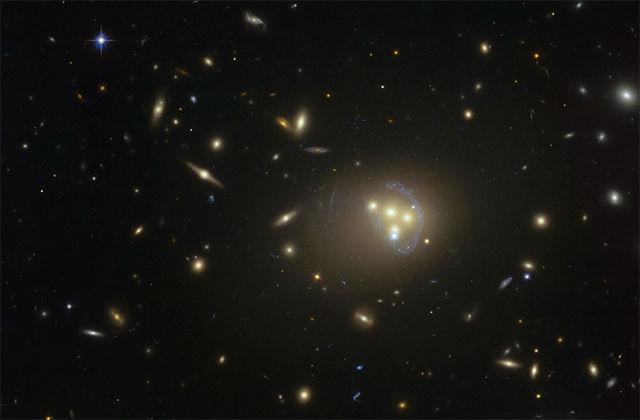 Учёные наблюдали за одновременным столкновением четырёх галактик (фото ESO).