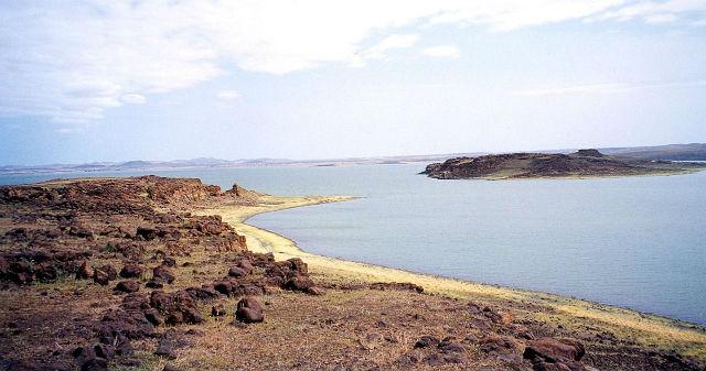 Артефакты были обнаружены близ озера Туркана (фото Wikimedia Commons).