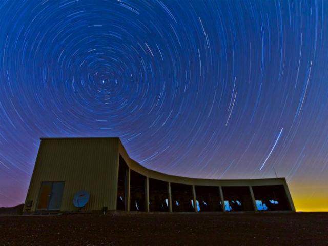 Источник космического излучения планируют определить с помощью массива детекторов в пустыне Юты (фото Ben Stokes, University of Utah).
