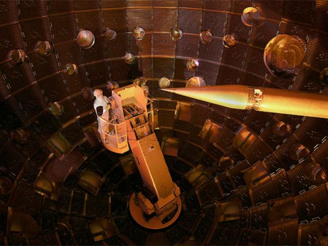 В рамках эксперимента было воссоздано давление в ядре газового гиганта (фото Lawrence Livermore National Laboratory).