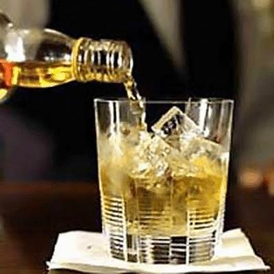 Случаи отравления суррогатным виски зафиксированы в Оренбургской области