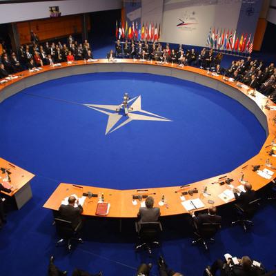 Грушко: НАТО отрывается от реальных угроз безопасности, демонизируя Россию