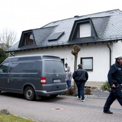 В доме второго пилота А320 Андреаса Лубитца полиция проводит обыск