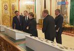 Владимир Путин принял участие в церемонии передачи Музеям Кремля коллекции царских регалий
