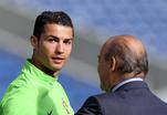 Роналду против Блаттера: футболист не приедет на вручение Золотого мяча