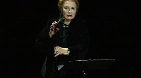 Алла Демидова выступила в Доме музыки с поэтическим вечером
