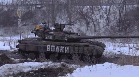 Украинская армия сравнивает Донецк с землей. Ополченцы отбили атаки танков и БТР