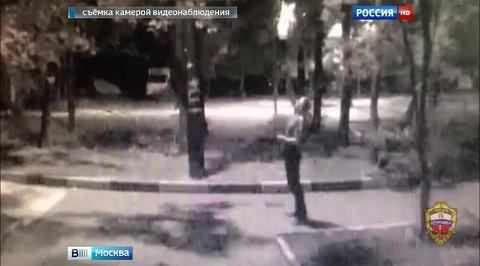 На востоке Москвы мужчина выстрелил из окна квартиры в женщину