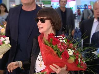 Мирей Матье прилетела в Россию