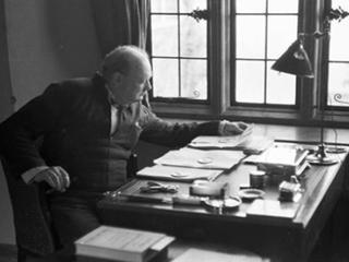 Ученые обнаружили рукопись Черчилля с размышлениями об инопланетной жизни