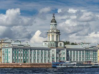 Владимир Путин поздравил коллектив Музея антропологии и этнографии имени Петра Великого с юбилеем