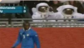 Марио Балотелли напугал космонавтов
