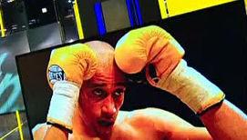 Боксер расправился с интернет-противником