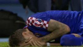 Футболист Мальты ударил соперника коленом в челюсть