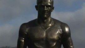 Криштиану Роналду открыли памятник