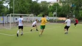 Жив ли в России дворовый футбол. Его особенности и правила